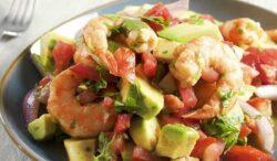 prepara un delicioso ceviche de camarón