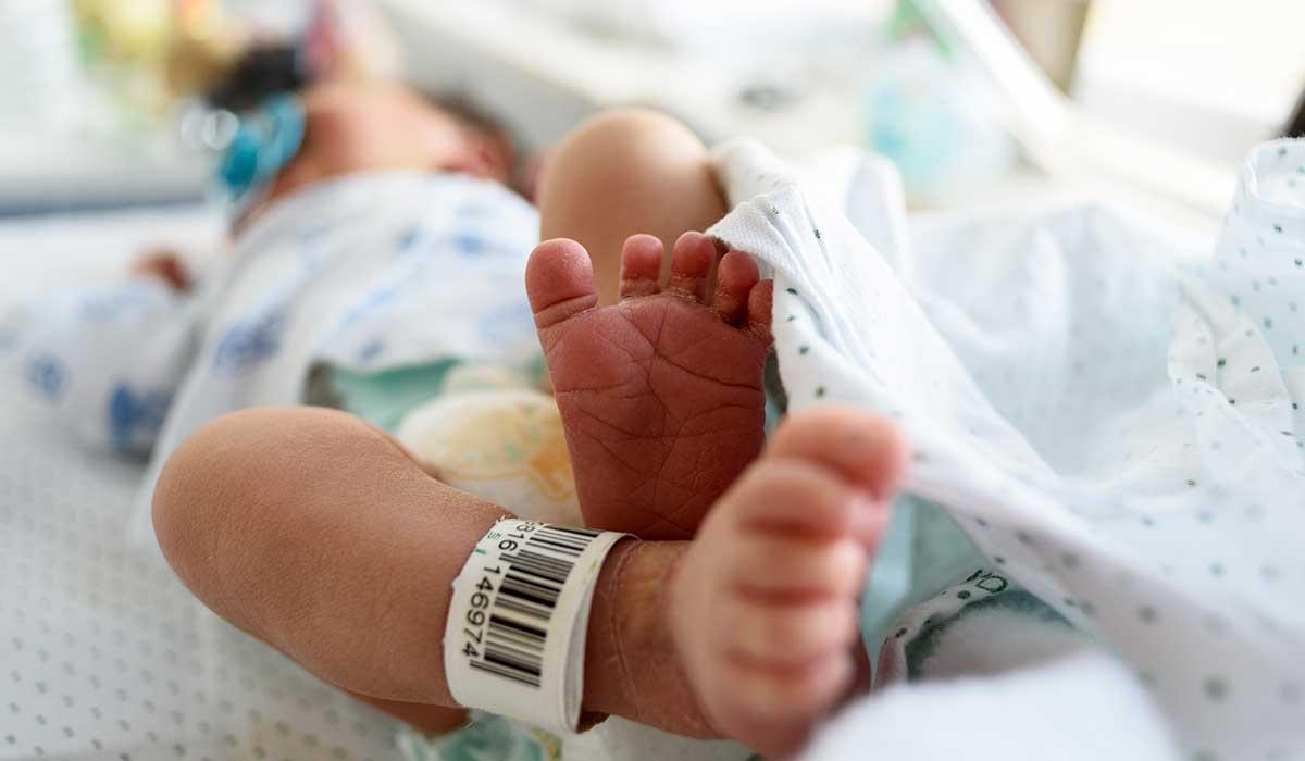 recibe pierna en lugar del cuerpo de su bebé