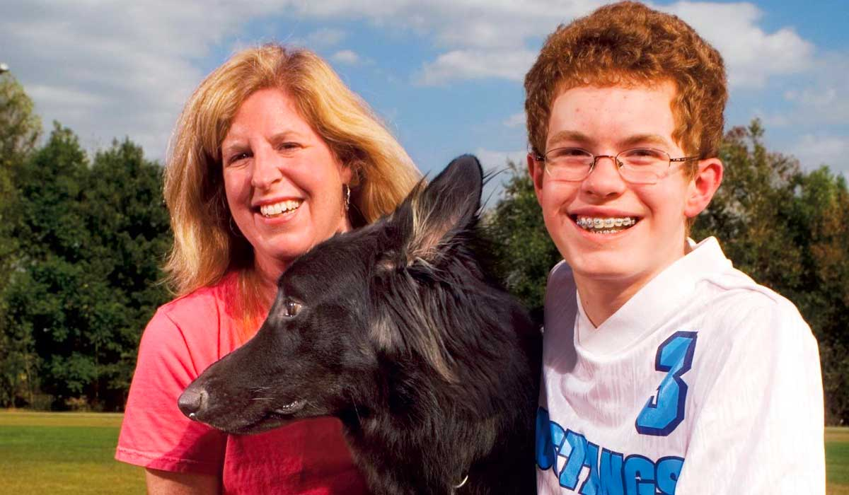 este niño fue encontrado por un perro cuando todos creían que estaría muerto